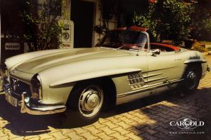 1961 Mercedes 300 SL Roadster, post war, vintage car, Beuerberg, Stefan C. Luftschitz