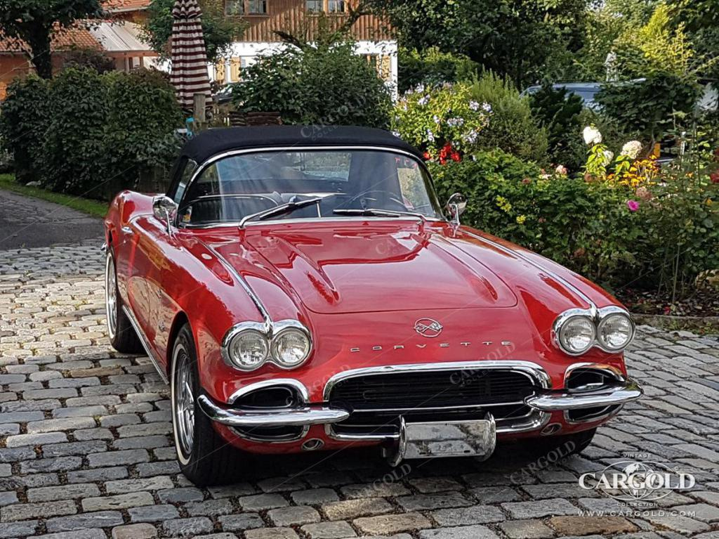 - Chevrolet - Corvette C1 - Roadster