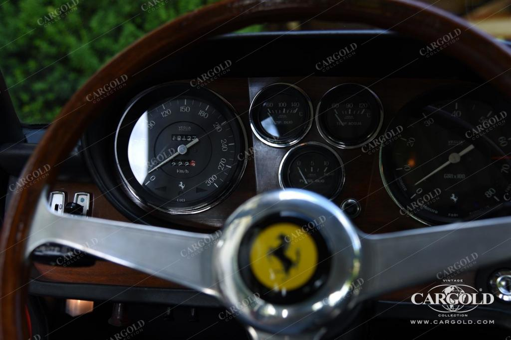 Cargold - Ferrari 365 GT 2+2 - Queen Mary